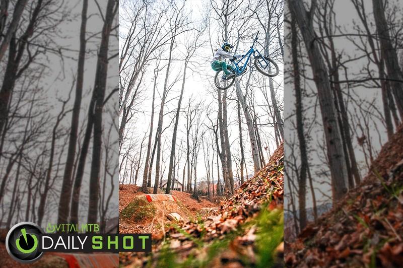 Grab that sh*t 😤 - JUZIO - Mountain Biking Pictures - Vital MTB