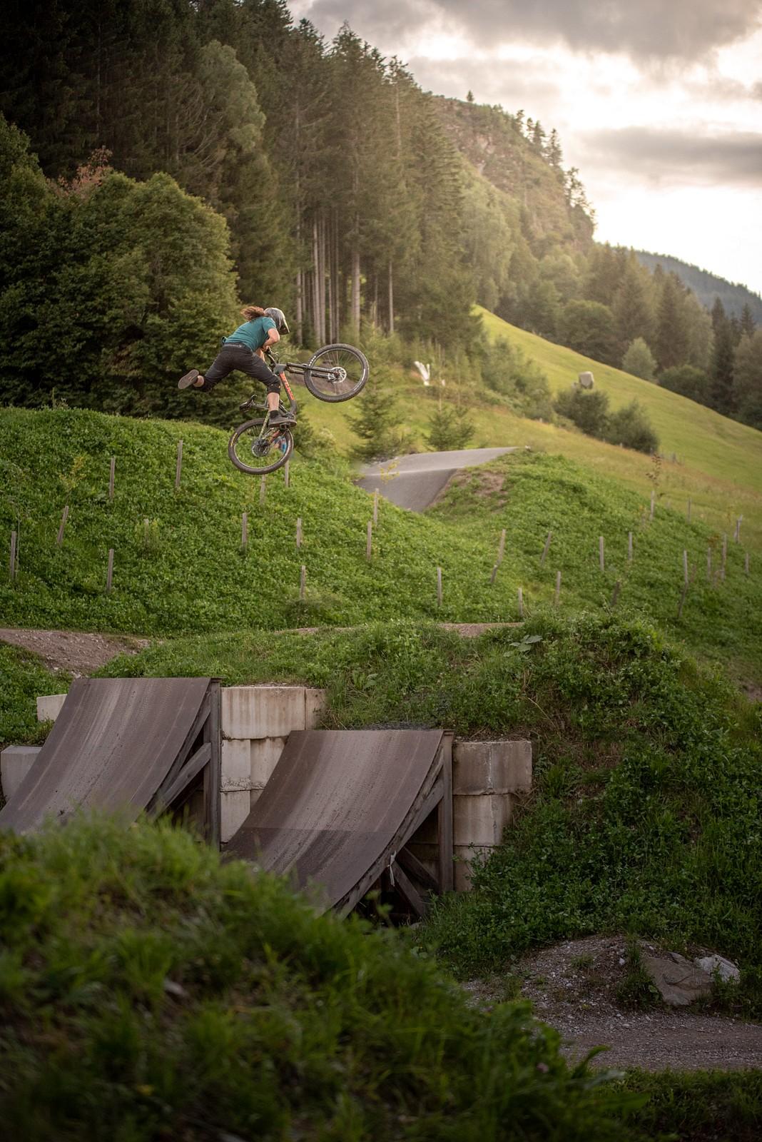 Karate  - JUZIO - Mountain Biking Pictures - Vital MTB
