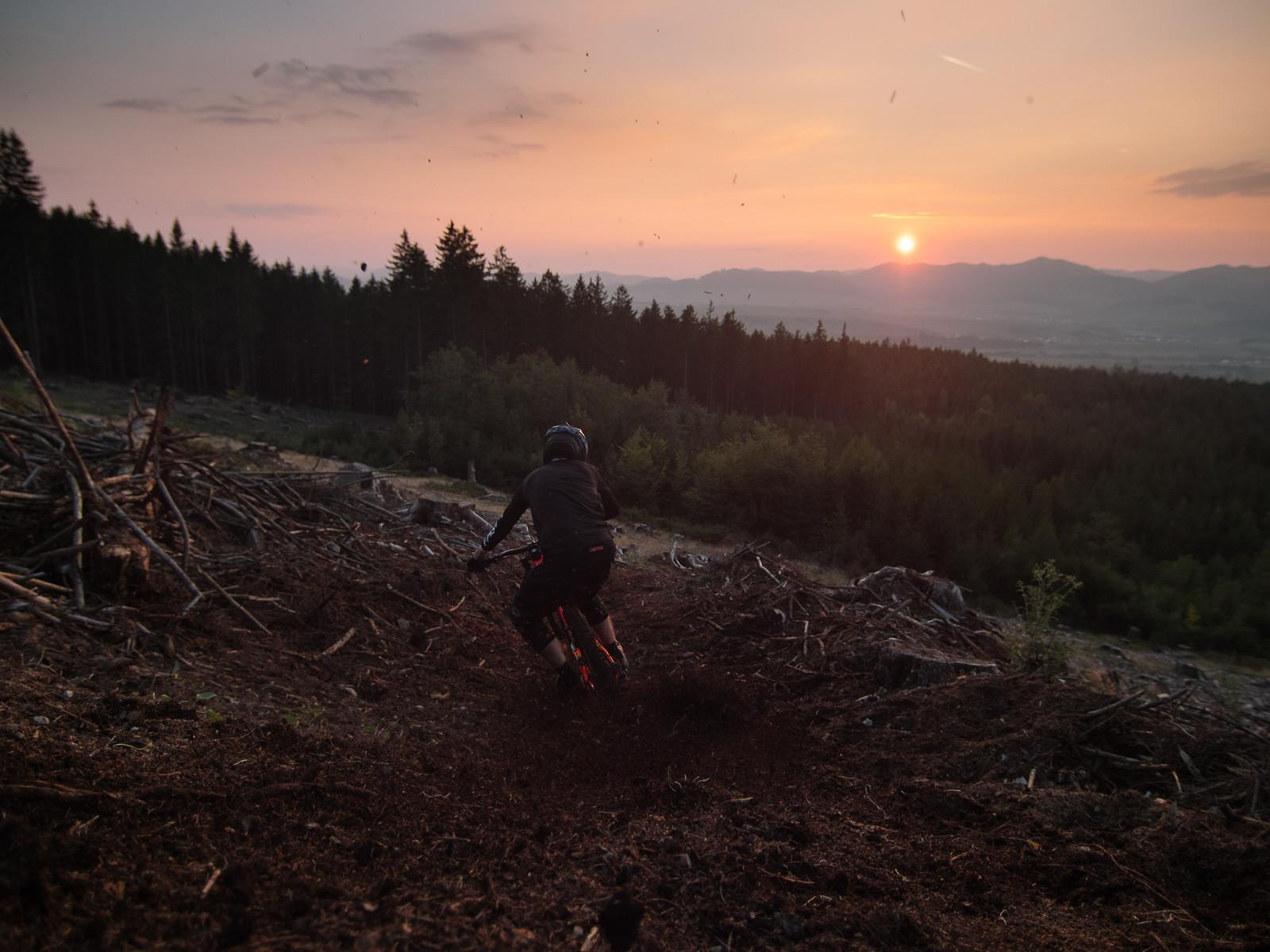 Last light  - EWIA - Mountain Biking Pictures - Vital MTB