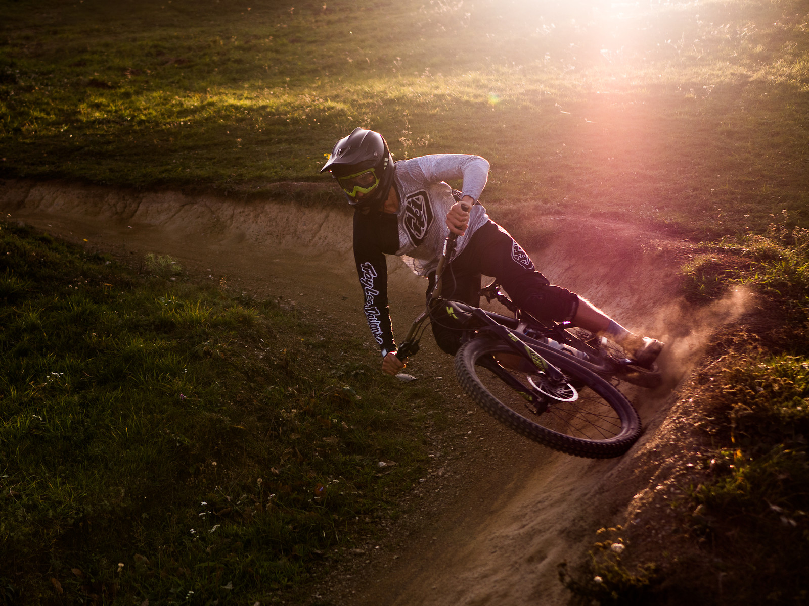 Autumn shred - EWIA - Mountain Biking Pictures - Vital MTB