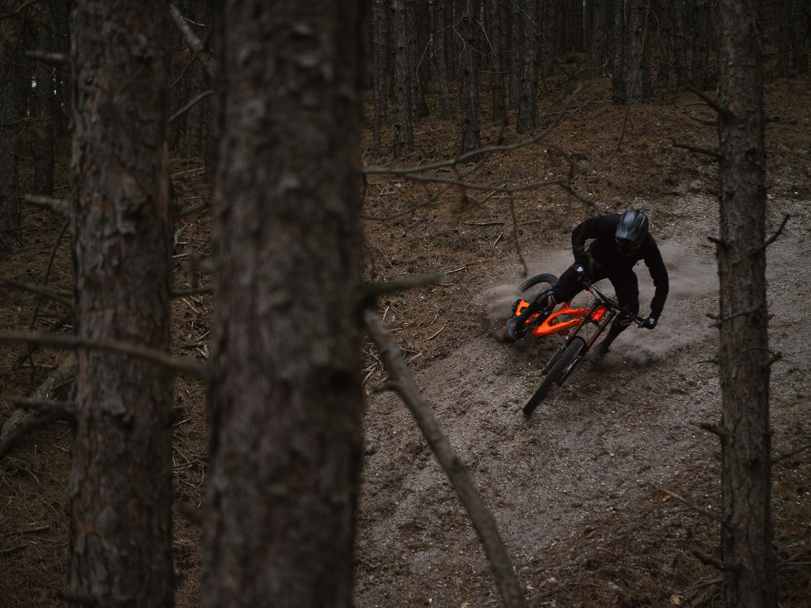 Until dusk - EWIA - Mountain Biking Pictures - Vital MTB