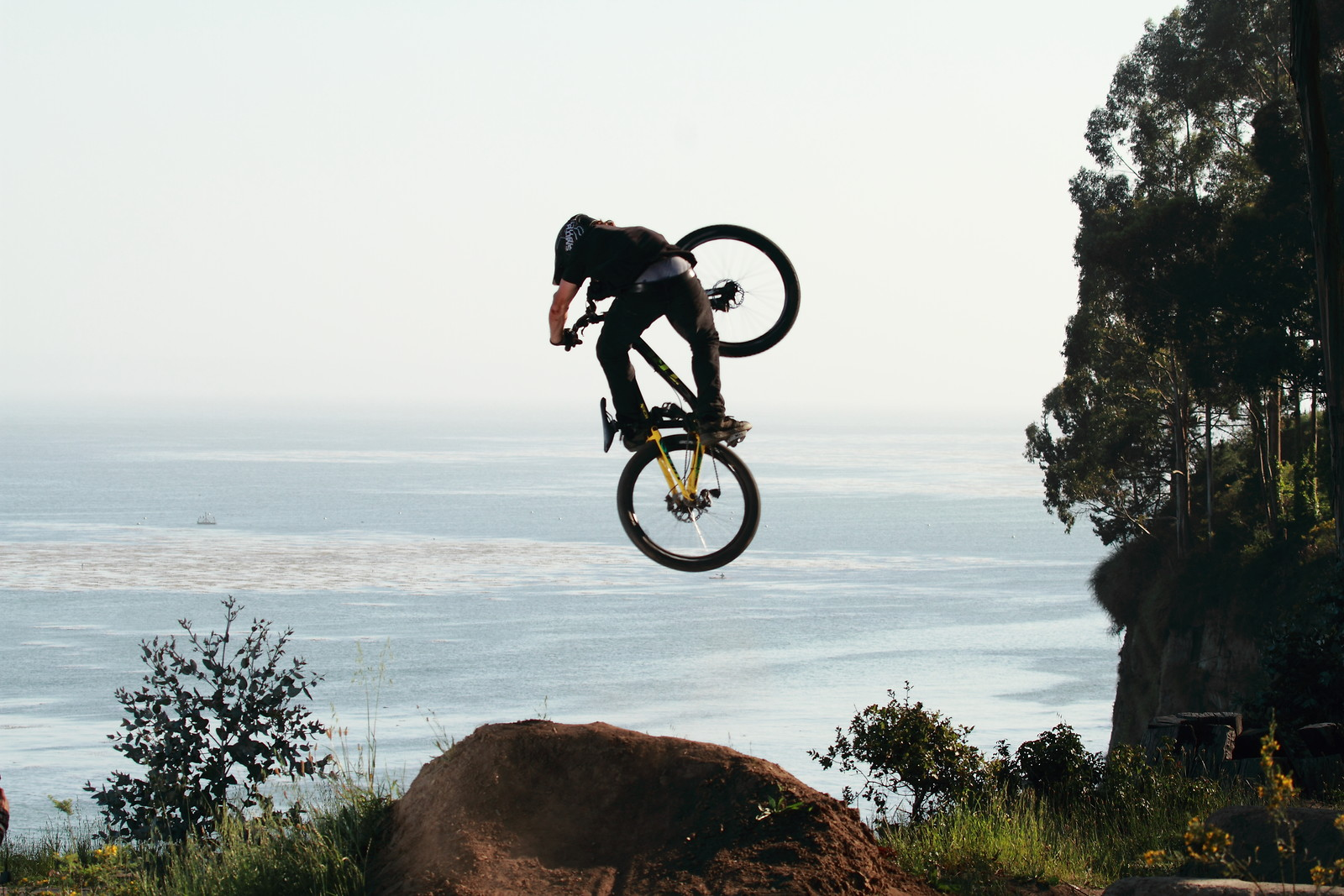 Cam McCaul Invert Table - JTalatzko - Mountain Biking Pictures - Vital MTB