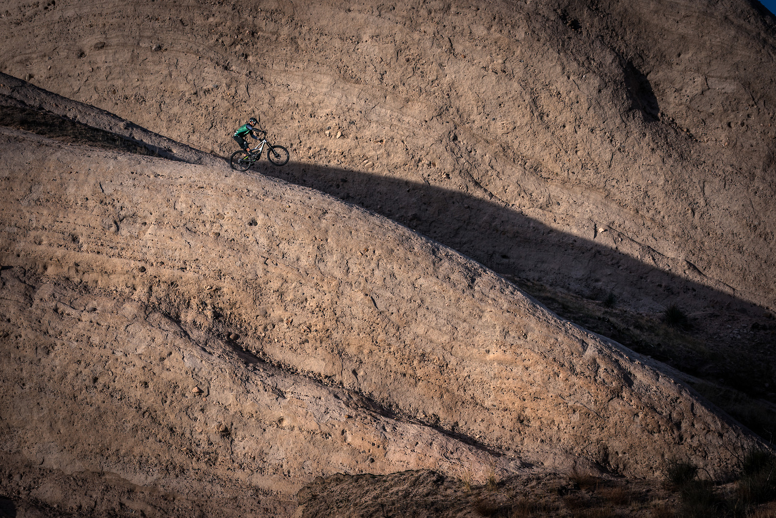 On the Edge - shreddyshots - Mountain Biking Pictures - Vital MTB