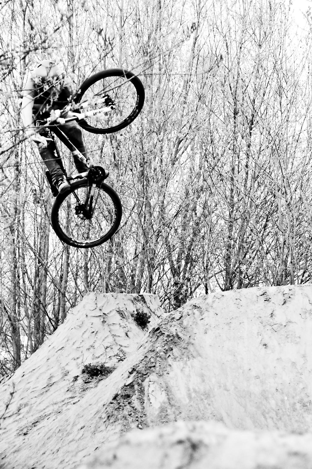 table-hip - MDog - Mountain Biking Pictures - Vital MTB