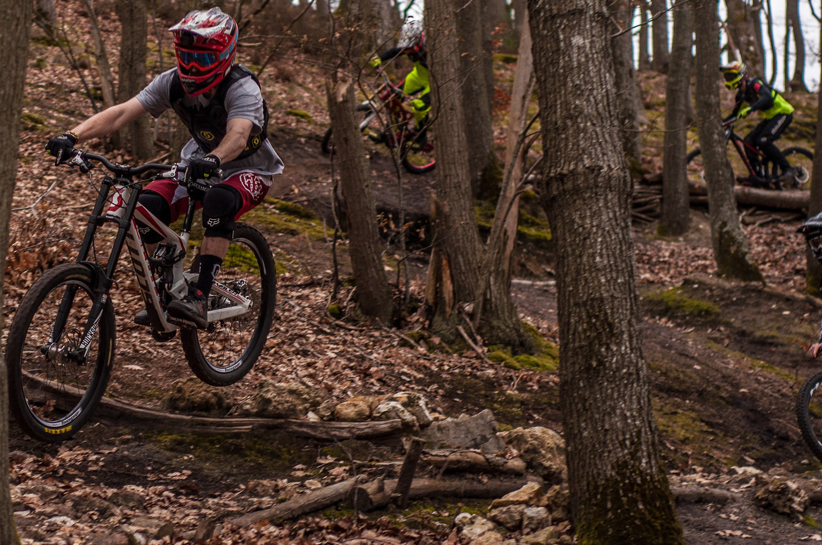 With the homies  - Romuald_Manach - Mountain Biking Pictures - Vital MTB
