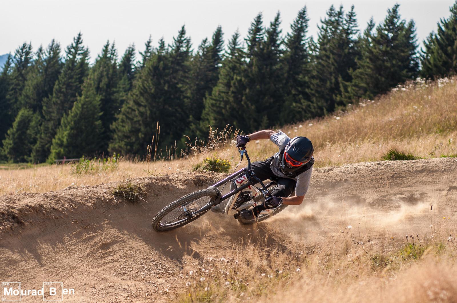 Turn - Romuald_Manach - Mountain Biking Pictures - Vital MTB