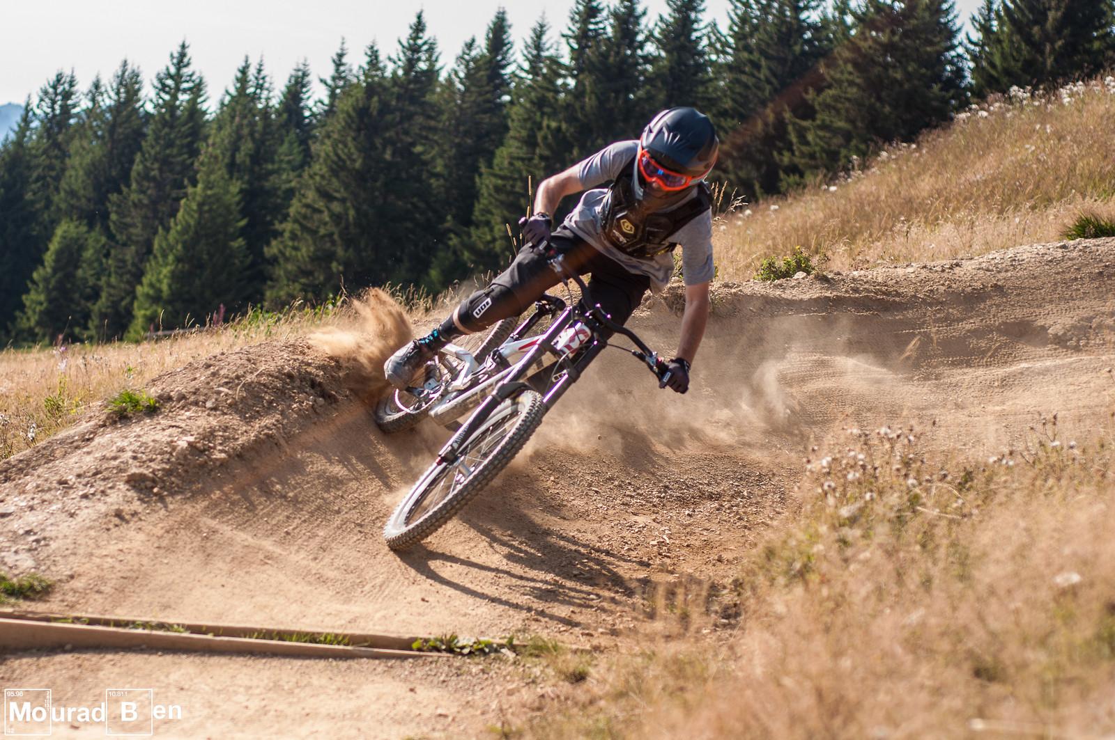 Drifting - Romuald_Manach - Mountain Biking Pictures - Vital MTB