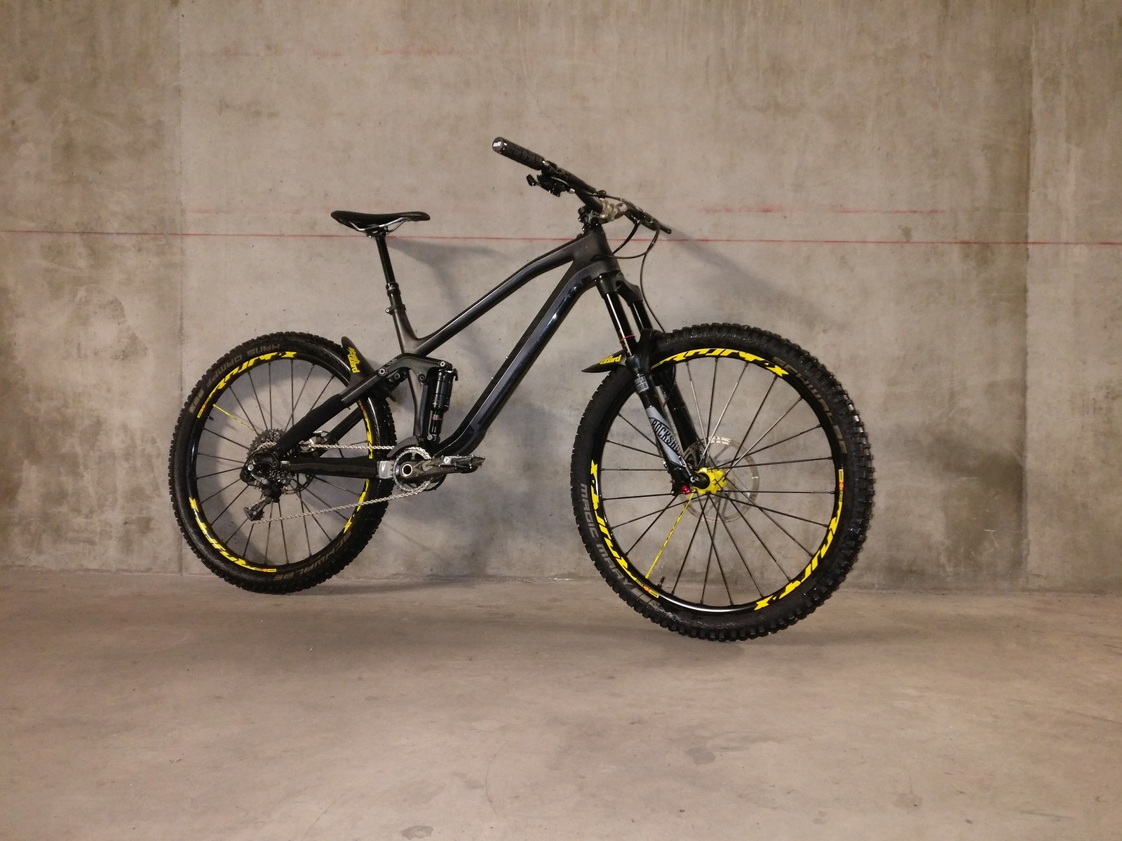 Canyon Spectral CF Wasp Edition