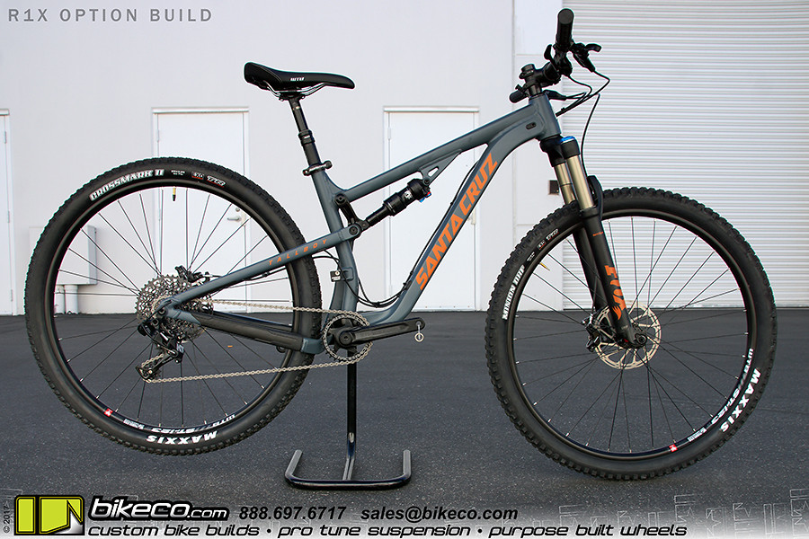 The Santa Cruz Tallboy 29 is a class leader with its VPP 3 suspension. The Virtual Pivot Point produces a playful, poppy personality (like the alliteration?) that's confident at speed.