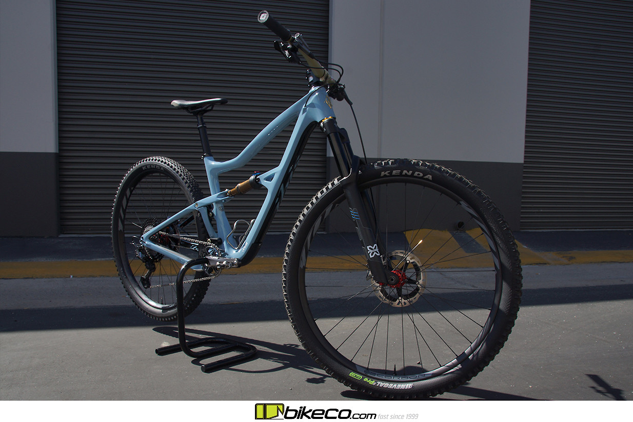 Enjoy some shots of BikeCo Pro Rider Brian Lopes' new Ibis Ripley 4 trail bike. The Ripley 4 features 120mm of rear suspension with 130mm fork as well as updated geometry. This bike is quick, light and surprisingly capable in bigger terrain - contact the experts at BikeCo for more details!