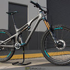 Custom Yeti SB140 with Nox on Onyx Wheels