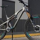 Custom Yeti SB140 with Nox on Onyx Wheels