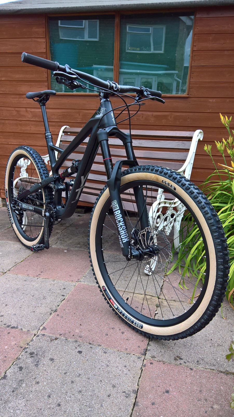 Related bike of the day dt swiss magura onza race face rockshox yt