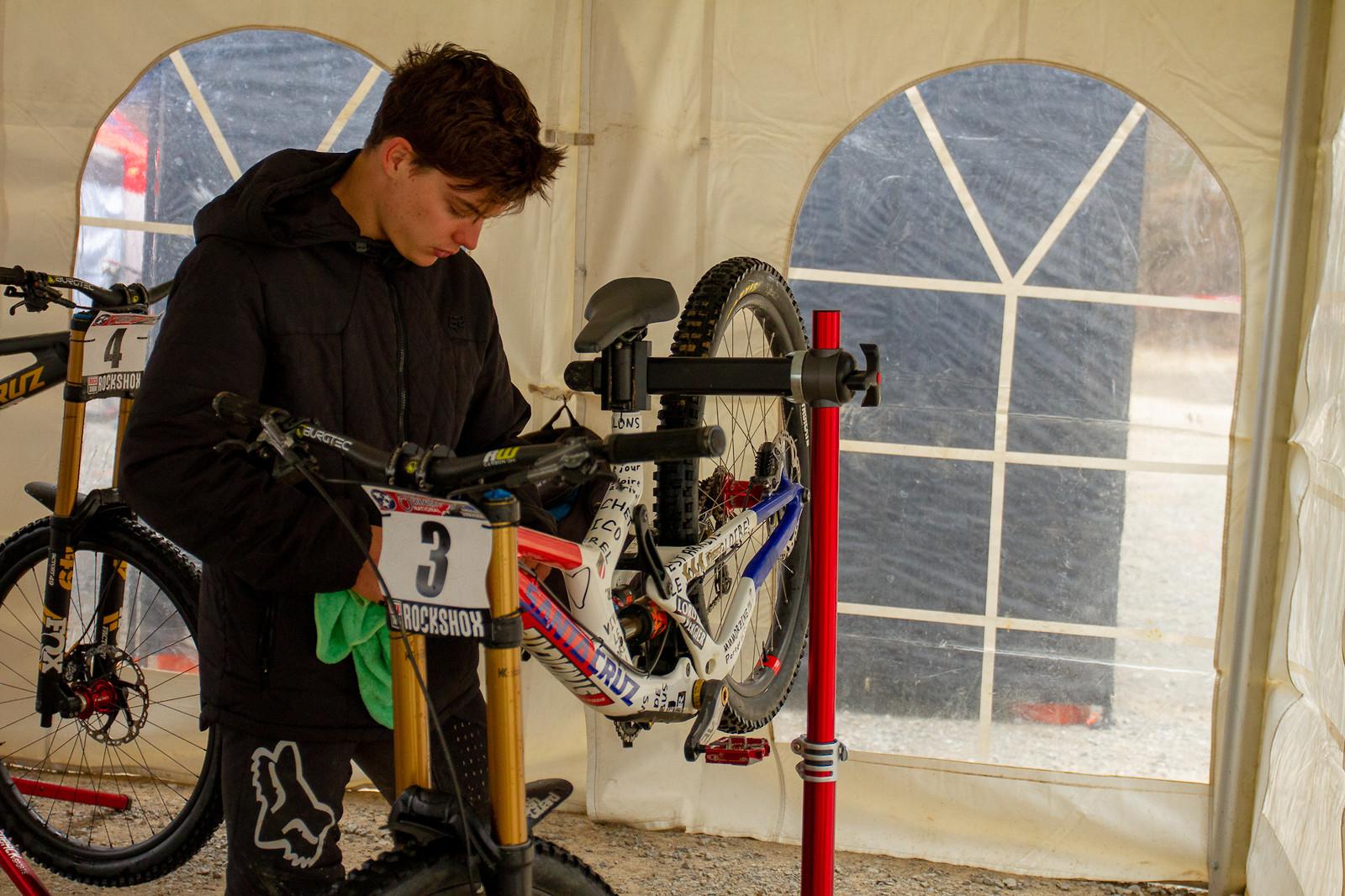 Loris Putting in That Work - JackRice - Mountain Biking Pictures - Vital MTB