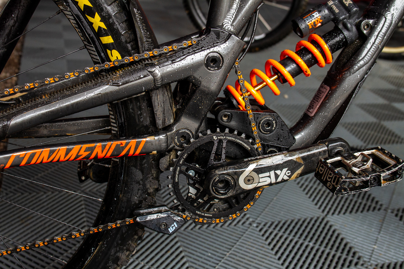 Dillion's Orange KMC Chain - PIT BITS - 2019 Windrock Tennessee National Pro GRT  - Mountain Biking Pictures - Vital MTB