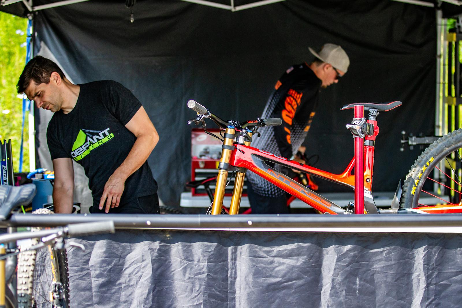 Defiant Racing Pits - JackRice - Mountain Biking Pictures - Vital MTB