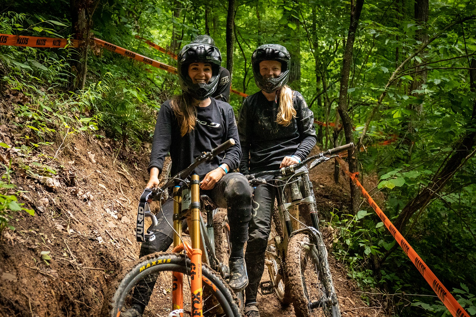 Rachel and Frida, the friendly battle continues... - JackRice - Mountain Biking Pictures - Vital MTB