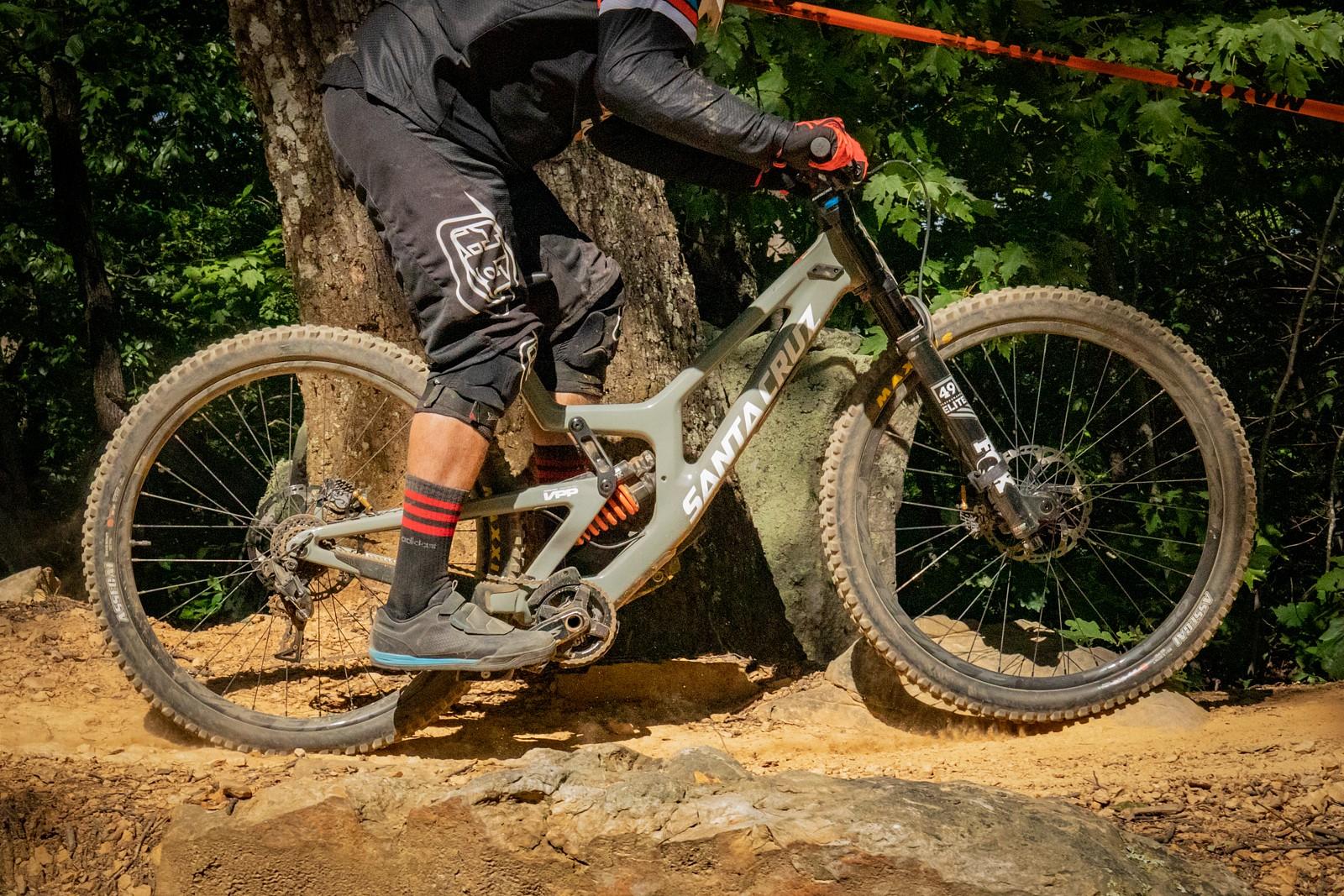 World events: Пробитых подвесок псто - Downhill Southeast