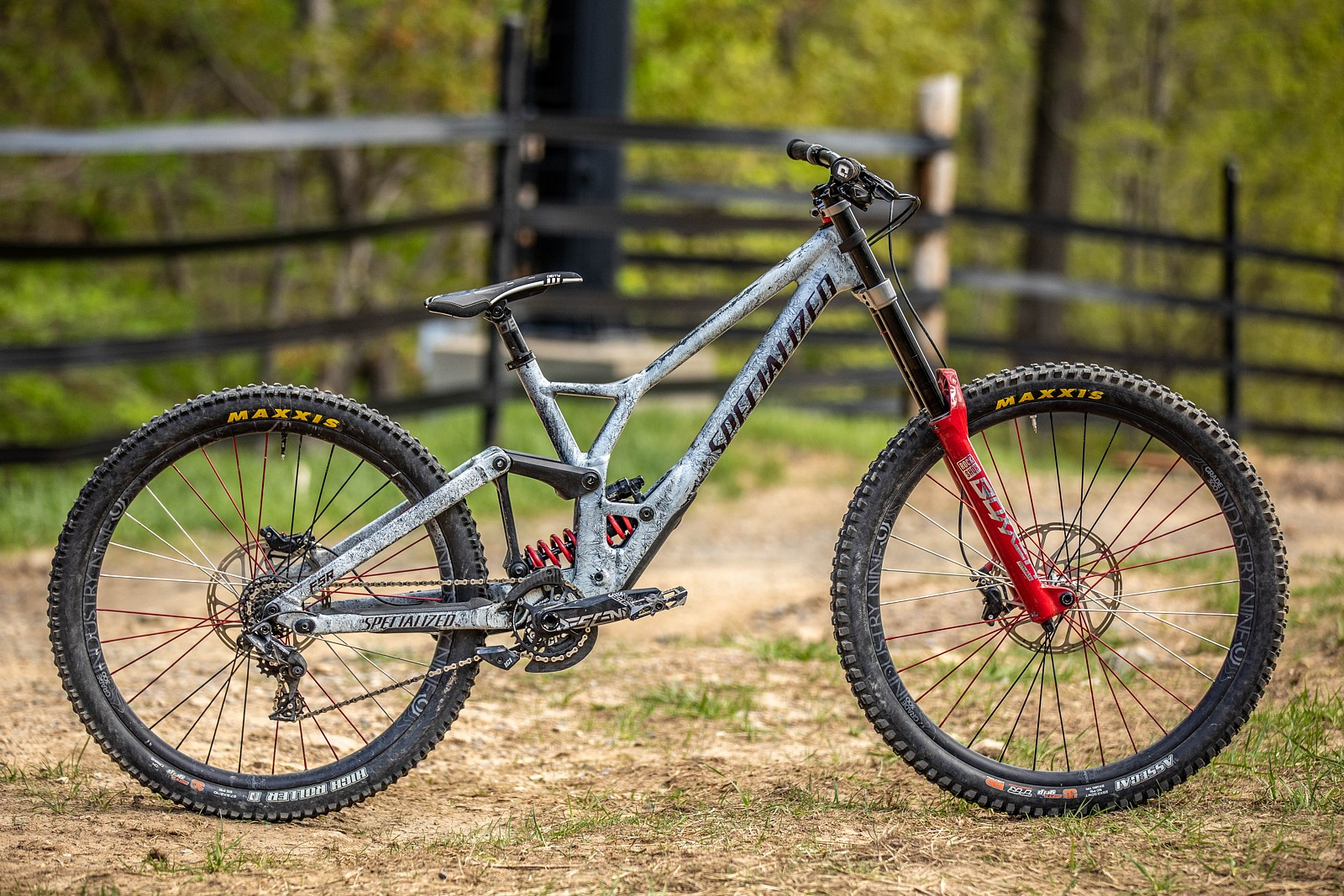 PIT BITS - Downhill Southeast Massanutten - Corey Jackson's Specialized Demo mullet. - JackRice - Mountain Biking Pictures - Vital MTB