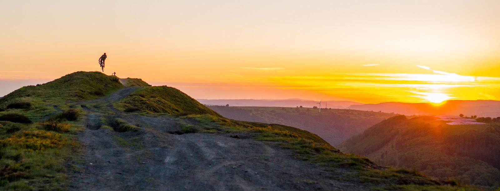 Sunset With Underdogs Cult - Matthew Davies - Mountain Biking Pictures - Vital MTB