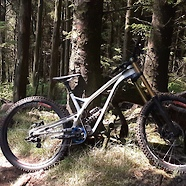 Commencal Supreme DH27 V4.3
