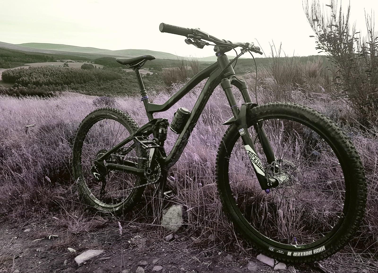 Vitus Escarpe Pro Nairnsters Bike Check Vital Mtb Rock Shock Yari 275 2015 With Rockshox Solo Air 150mm