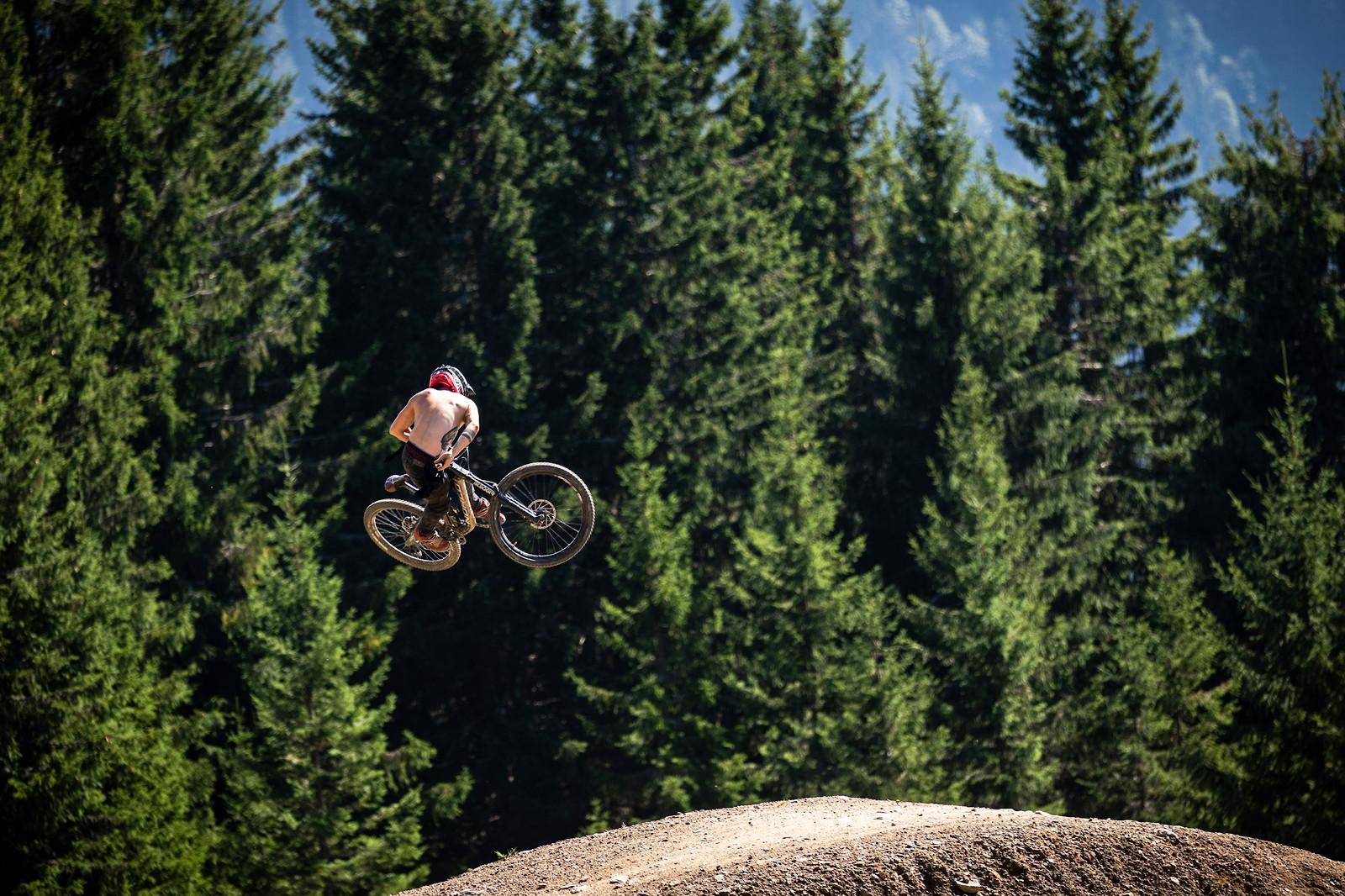 24A1147 - Entwoane - Mountain Biking Pictures - Vital MTB