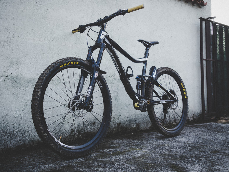 5c5627f6f35 Giant trance 2 2016 160mm - rok58's Bike Check - Vital MTB