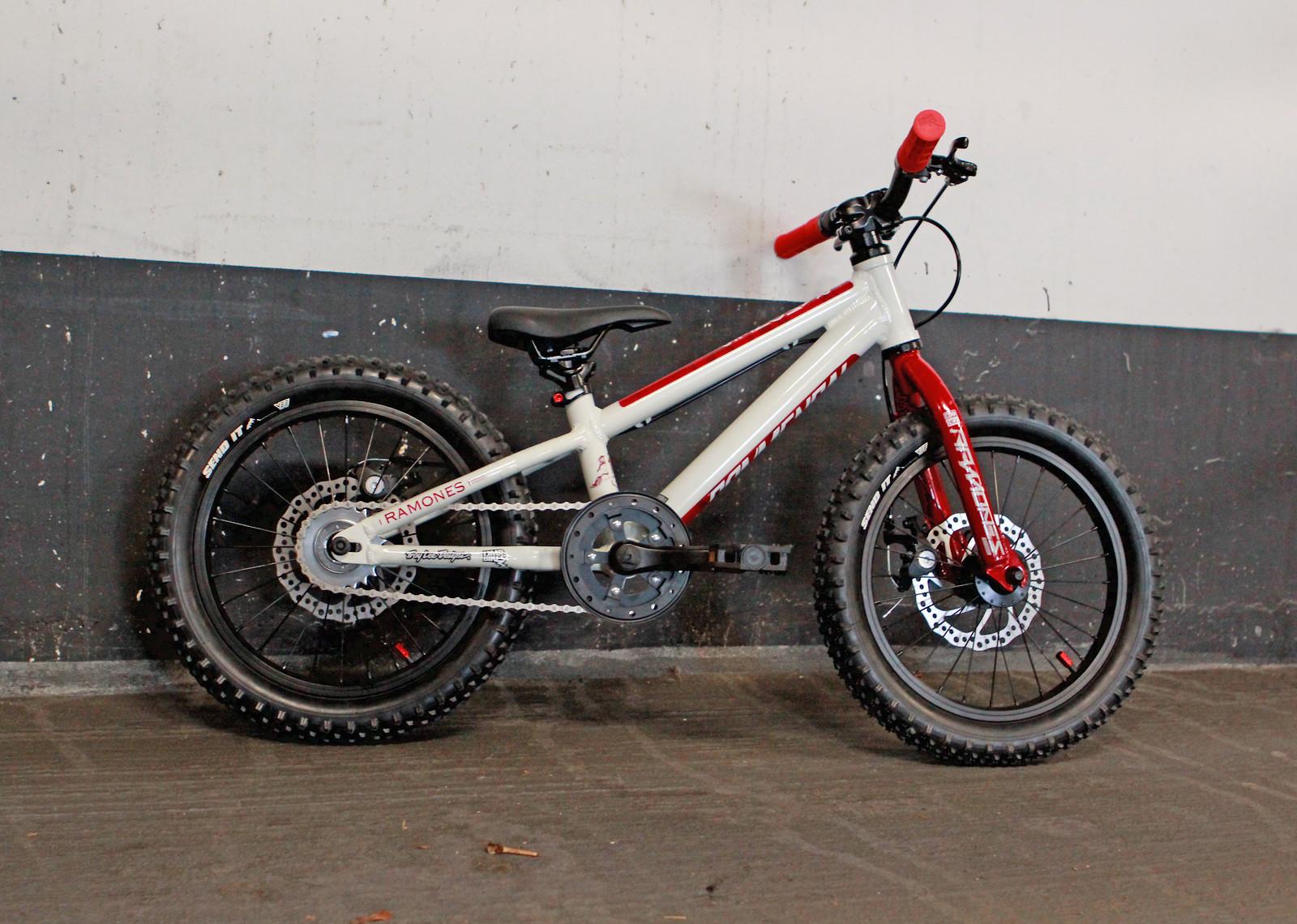 """Custom Commencal Ramones 16"""" Kids Bike"""