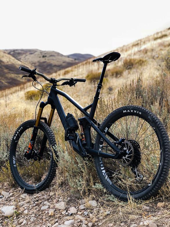 2018 Canyon Strive CF 8 0 - Ben_Latimer's Bike Check - Vital MTB
