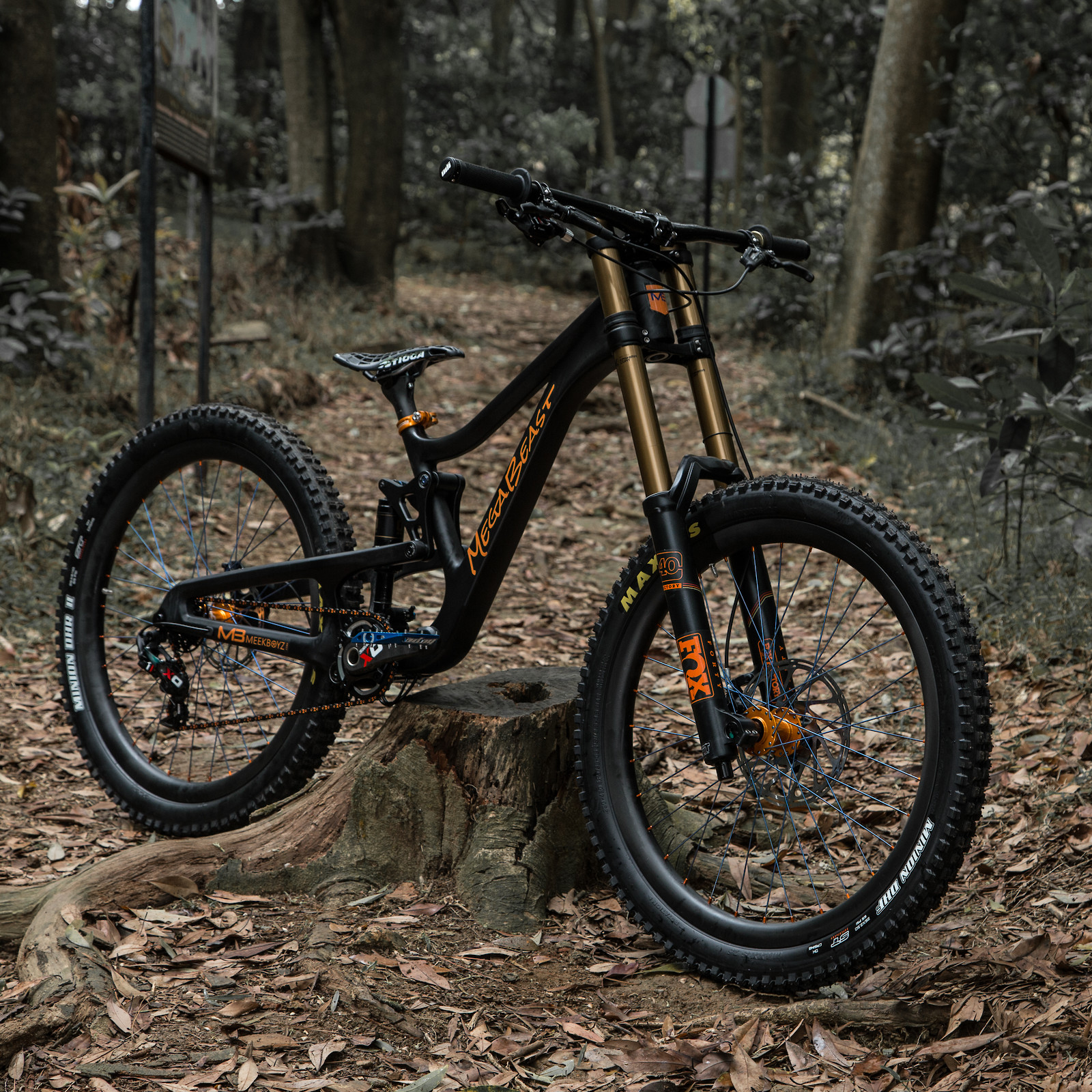 "Carbon Meek Boyz 26"" DH Bike"