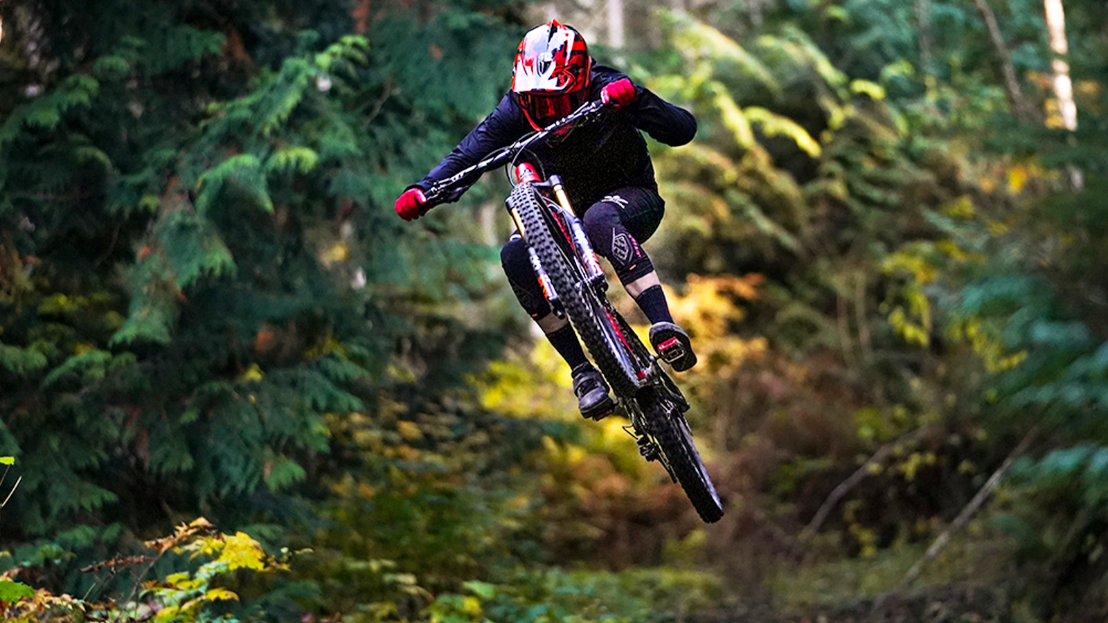 Charging Hard, Vaea Verbeeck Shows Why She Is the Reigning Queen of Crankworx