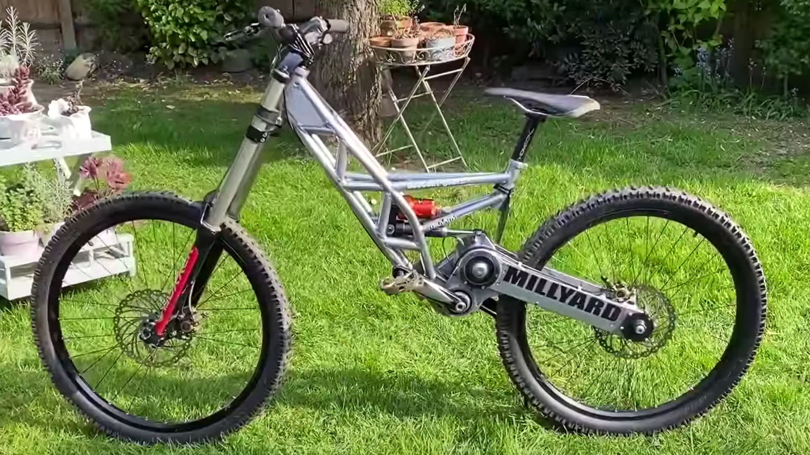 Millyard Racing's Downhill Bike: 13 Years Old, Still Ahead of Its Time