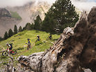 Four Days Traversing the Pyrenees, Six Friends Set Out for Adventure