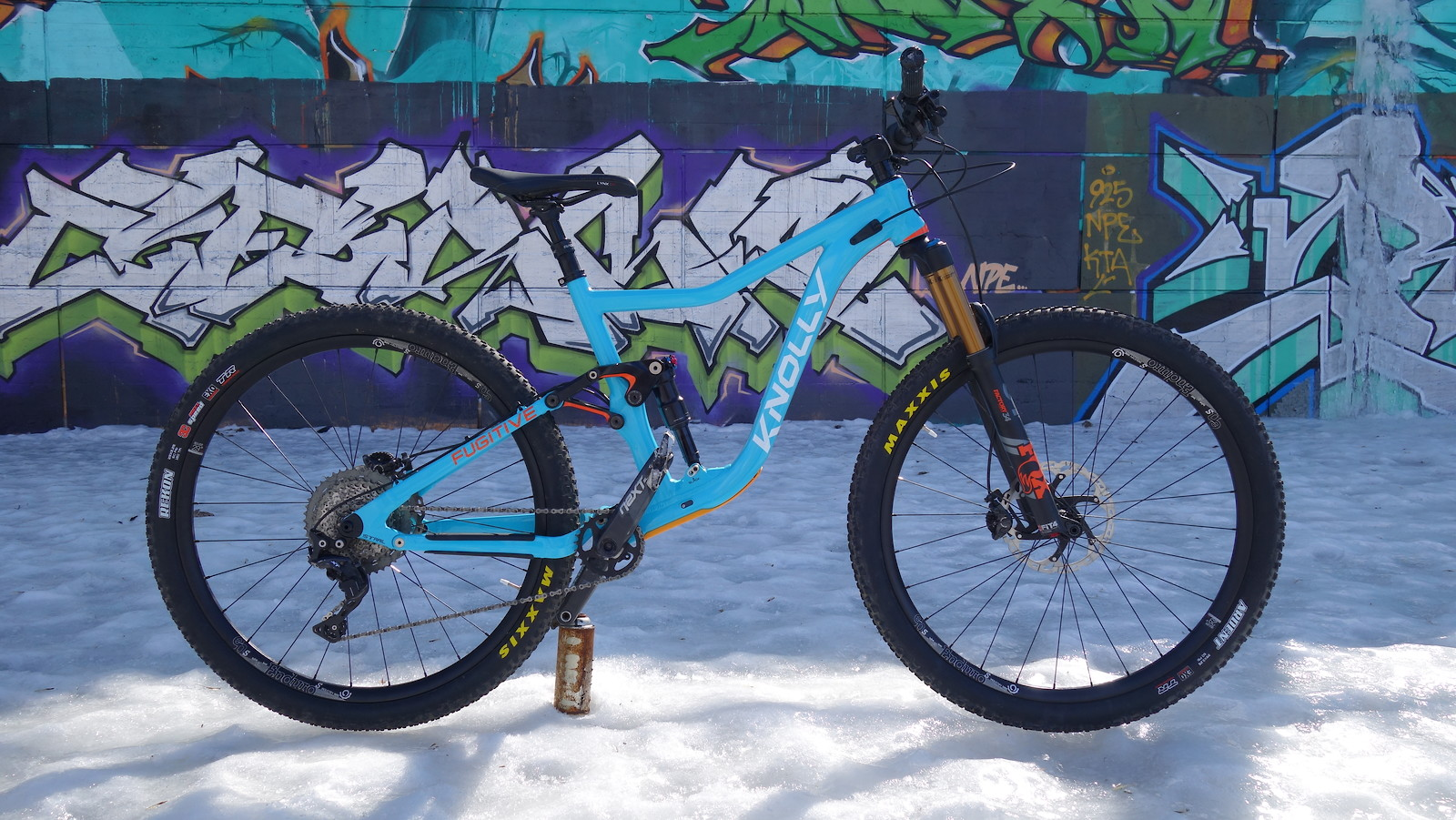 """Pre-Production build. 29er with 140mm front and 120mm rear suspension from Fox. First bike from Knolly to feature 157trail rear spacing and 29"""" wheels."""