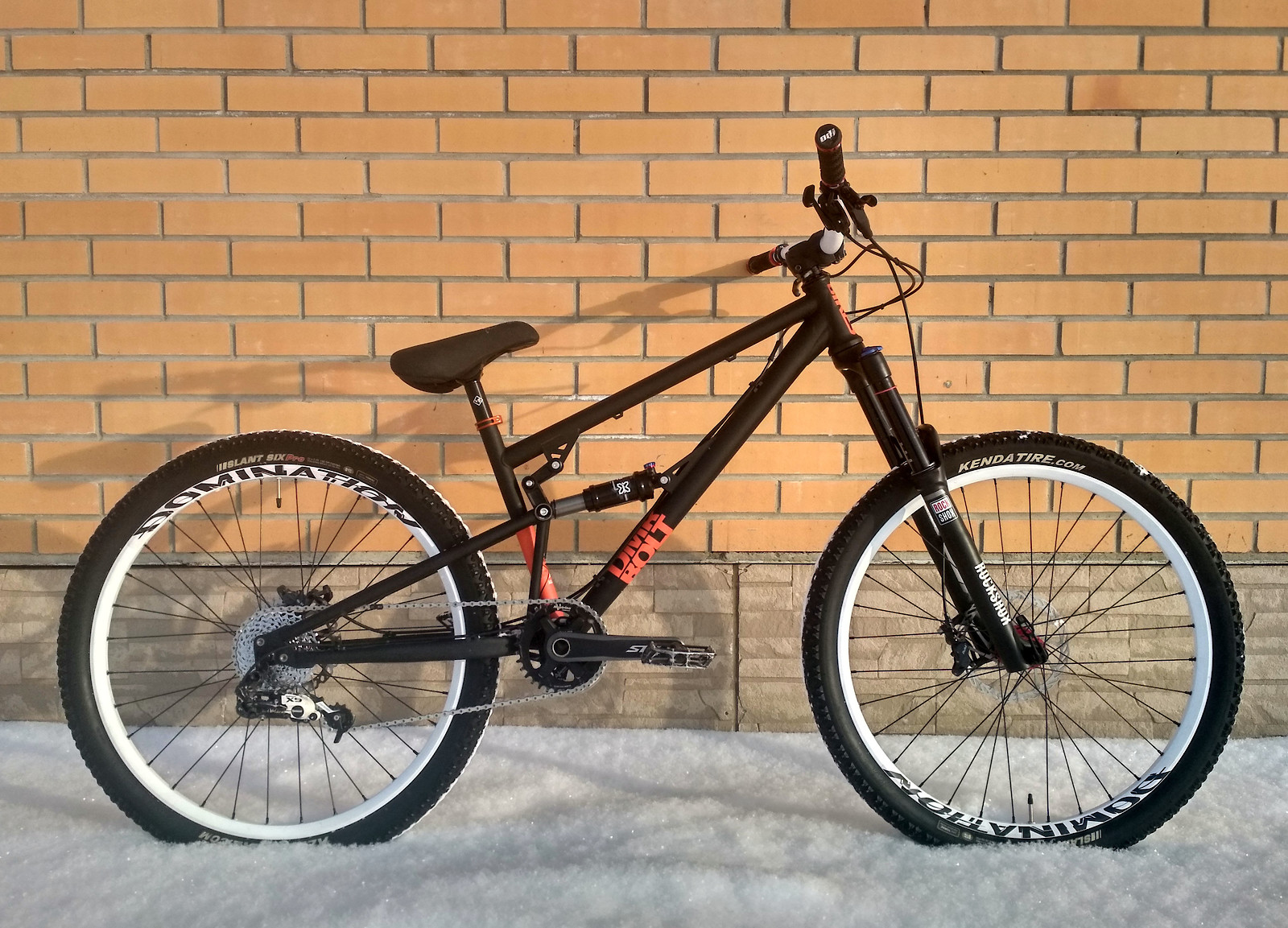 DMR Bolt - Yoba_Rider - Mountain Biking Pictures - Vital MTB