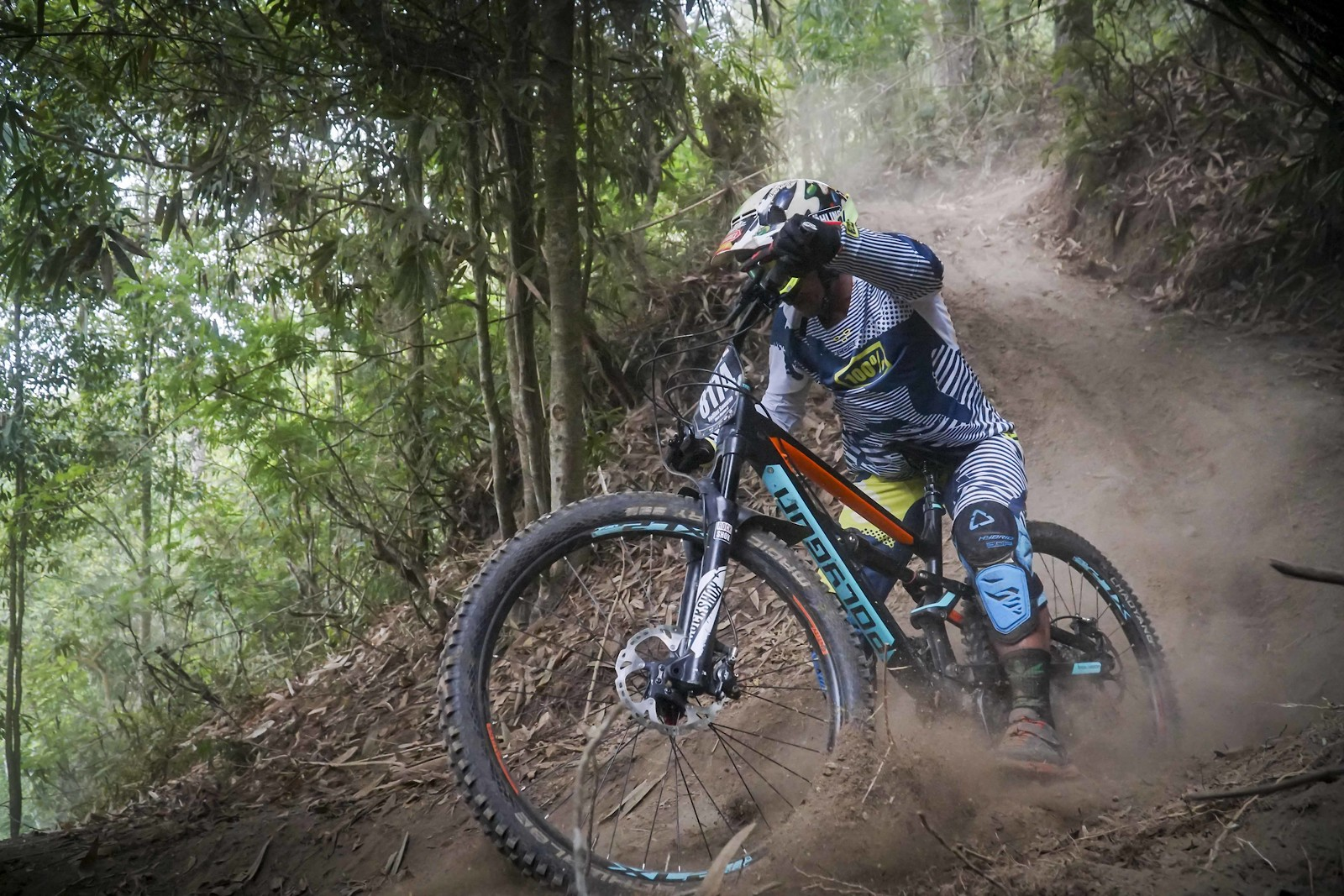 Dust and the best trail bike of the year? - RezaAkhmad - Mountain Biking Pictures - Vital MTB