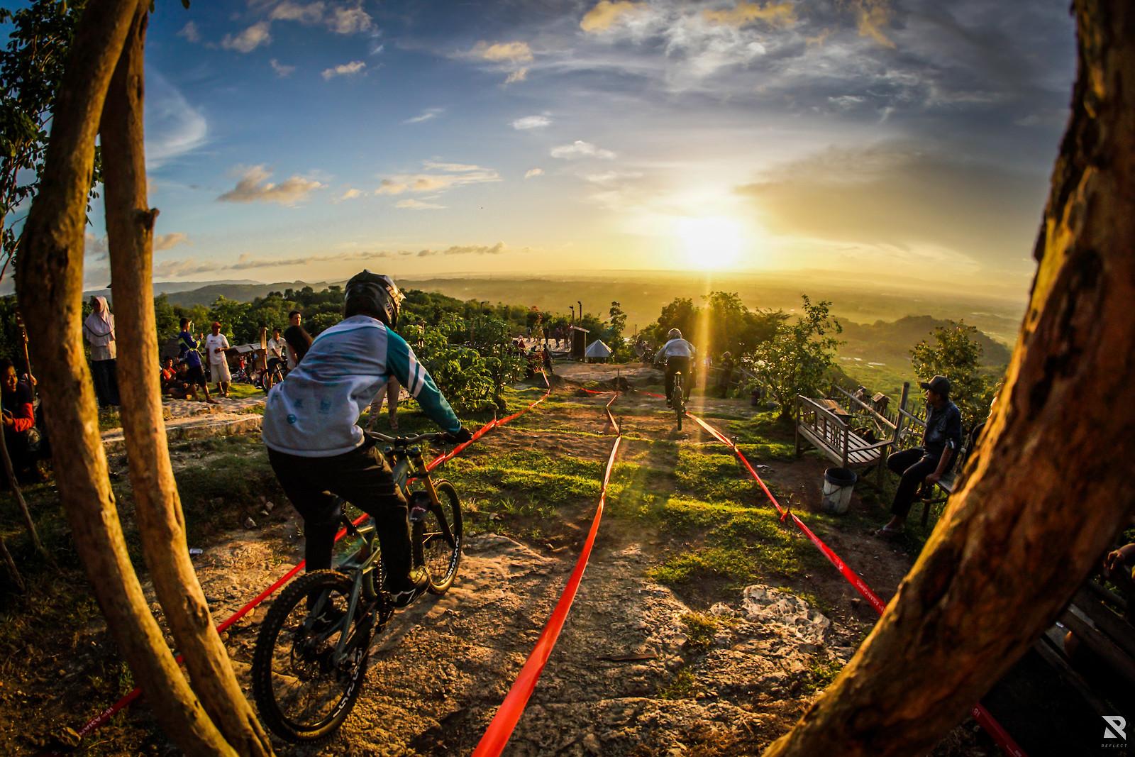 Sunset ride - RezaAkhmad - Mountain Biking Pictures - Vital MTB