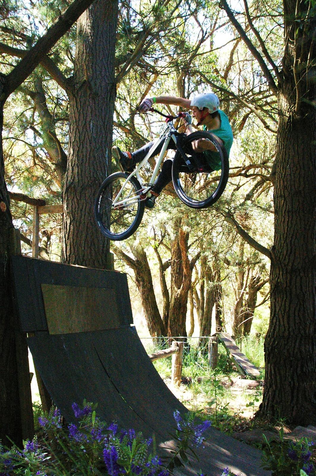 Inward Undown Air - dvkuriger - Mountain Biking Pictures - Vital MTB