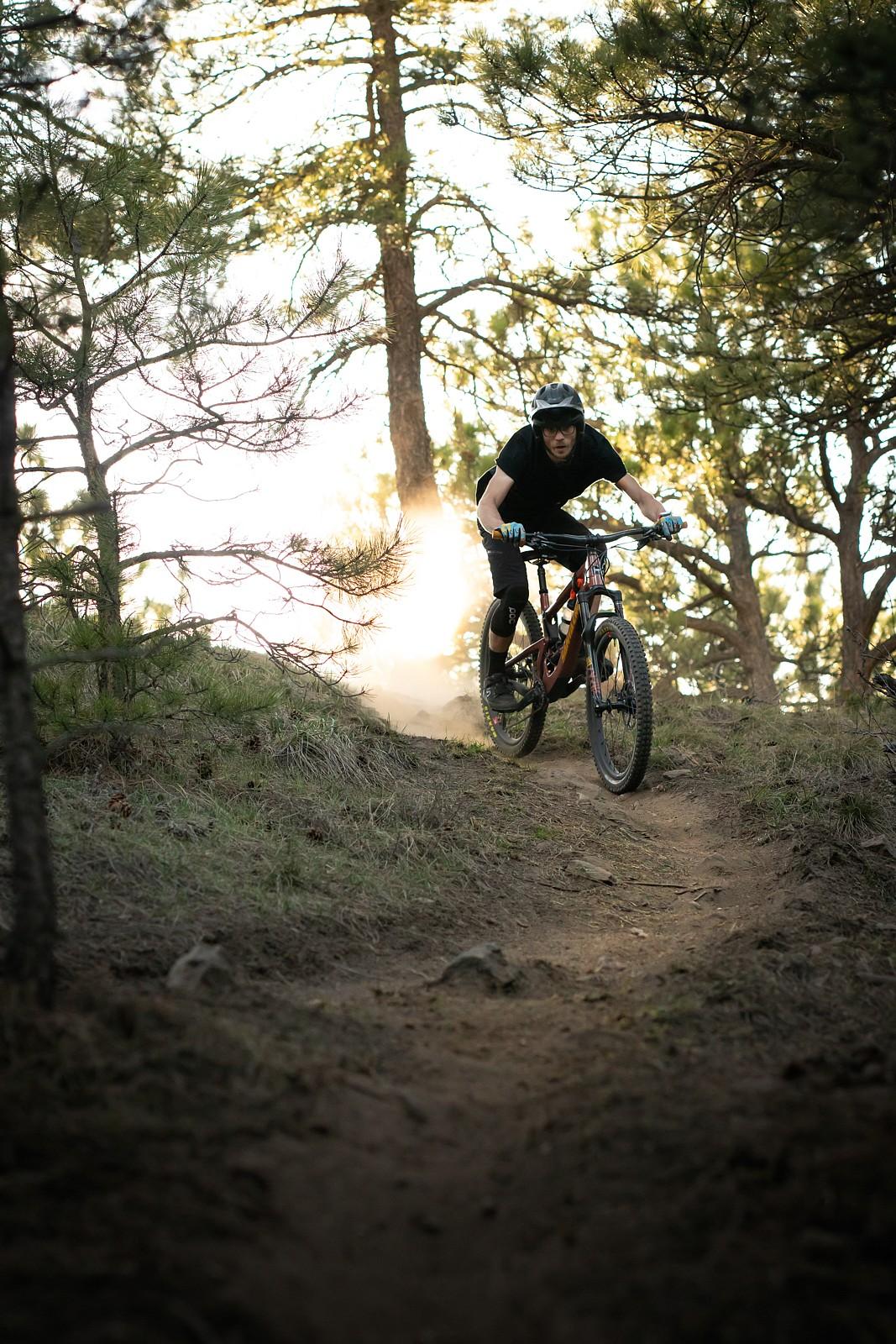 golden hour descent  - ur_pal_al - Mountain Biking Pictures - Vital MTB