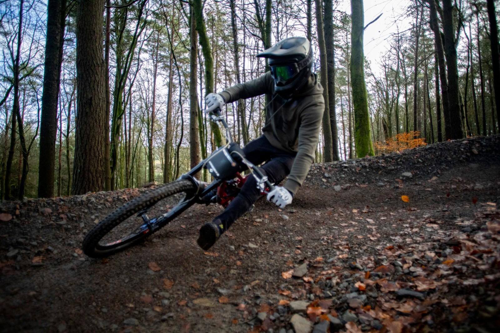 FD51B10F-871B-44BE-980F-0338E441EC74 - martin dunn - Mountain Biking Pictures - Vital MTB