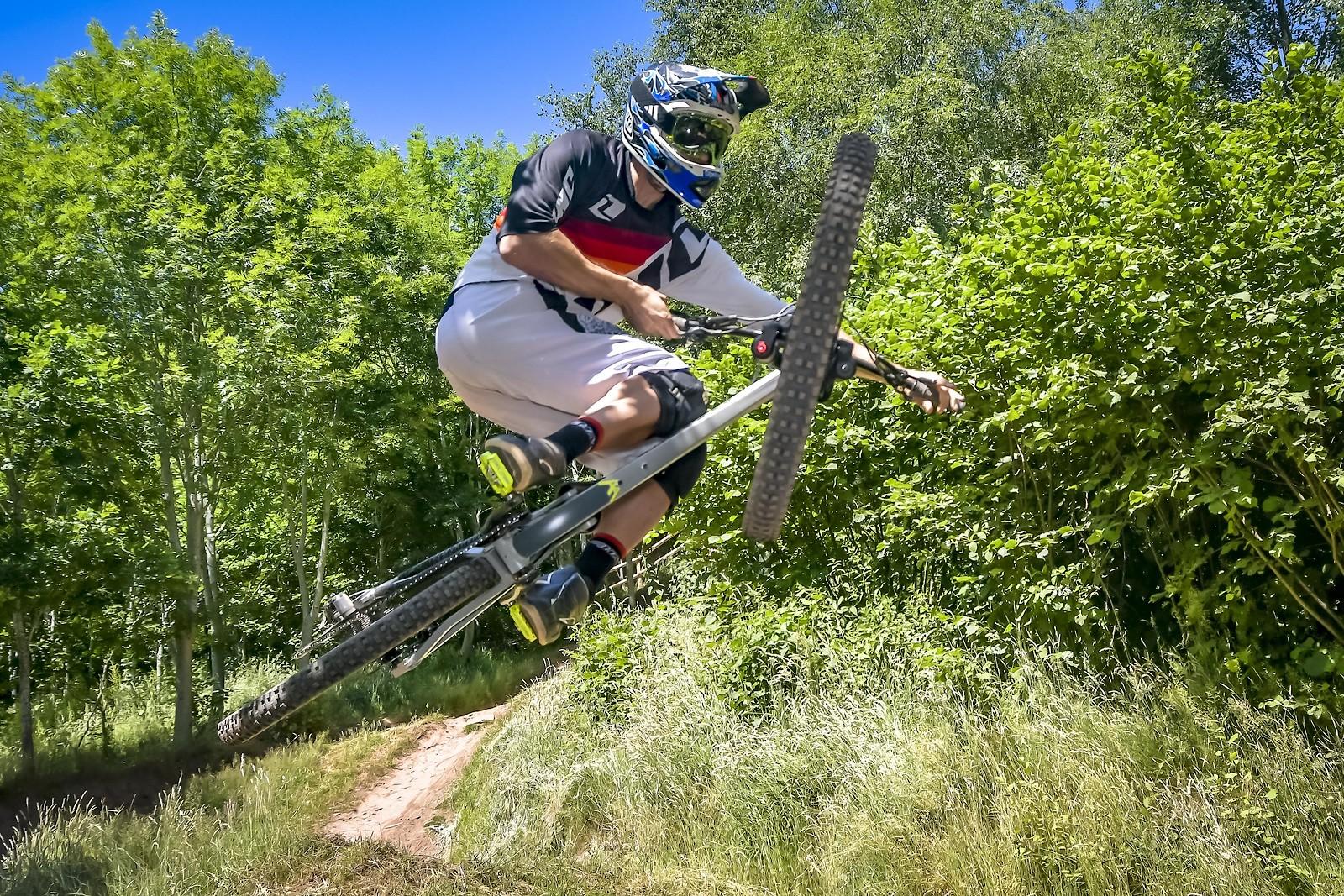 ROB0393 - robbarkerimages2017 - Mountain Biking Pictures - Vital MTB