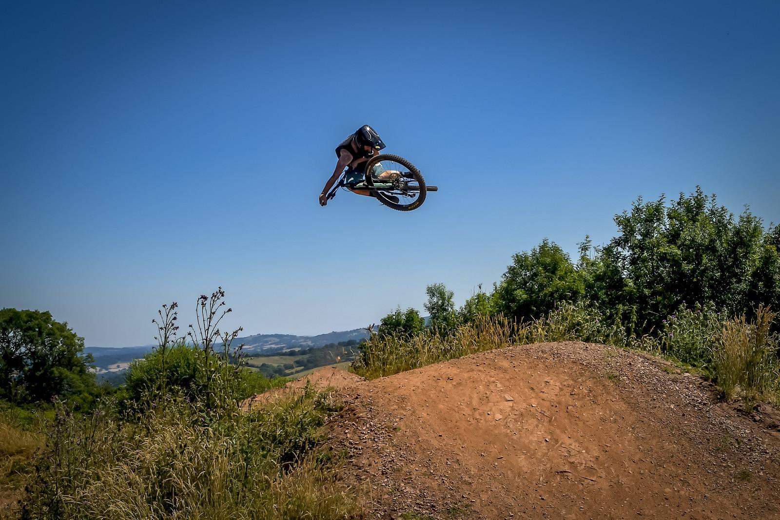 ROB1695 - robbarkerimages2017 - Mountain Biking Pictures - Vital MTB