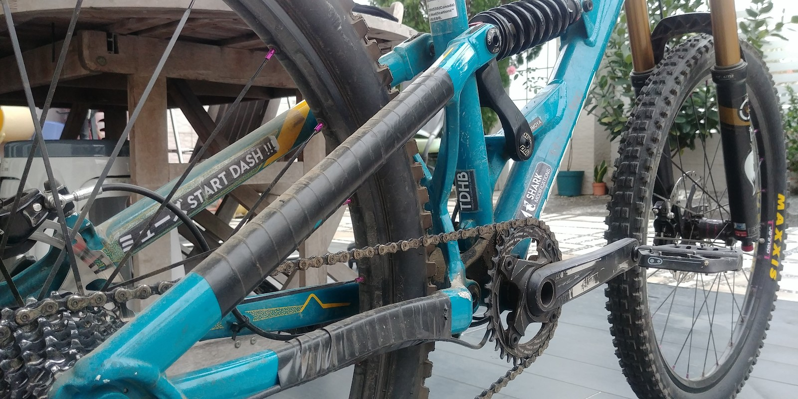 88d9d251736 ... Downhill bike frame Front 160mm travel and Rear 180mm travel 26 inch  wheels with Maxxis minions SRAM Descendant 780mmX35mm Bars Merida VPK  Suspension ...