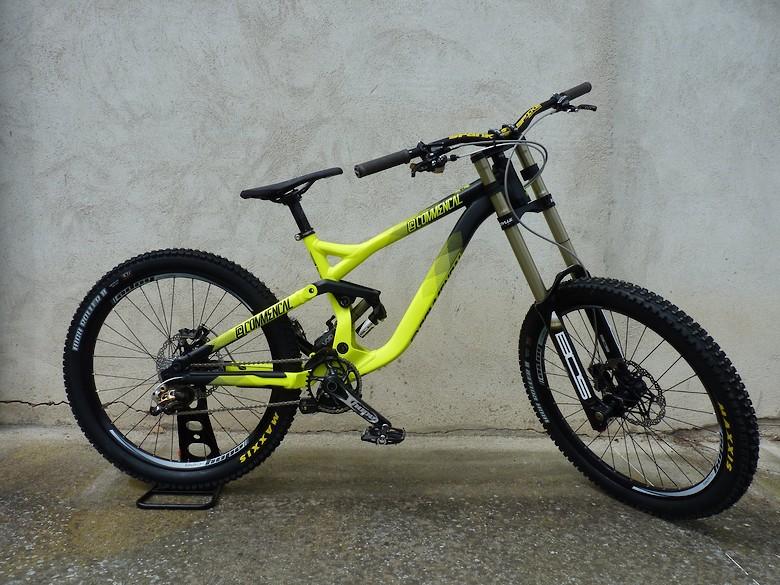 Commencal V3, The ultimate BikePark Weapon
