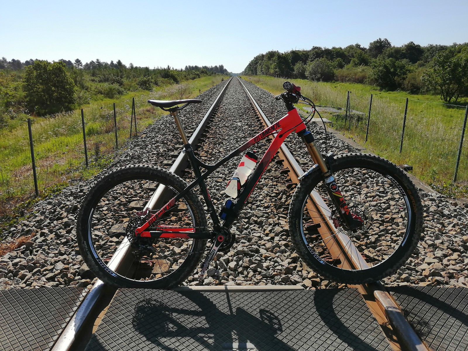 The Red Rocket - Commencal Hardtail