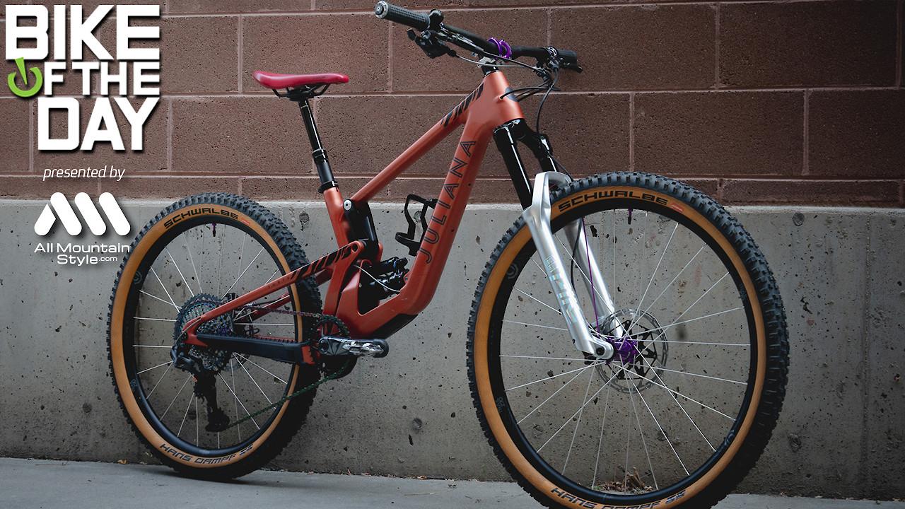 """Juliana """"Mullet"""" Furtado Tiger bike"""
