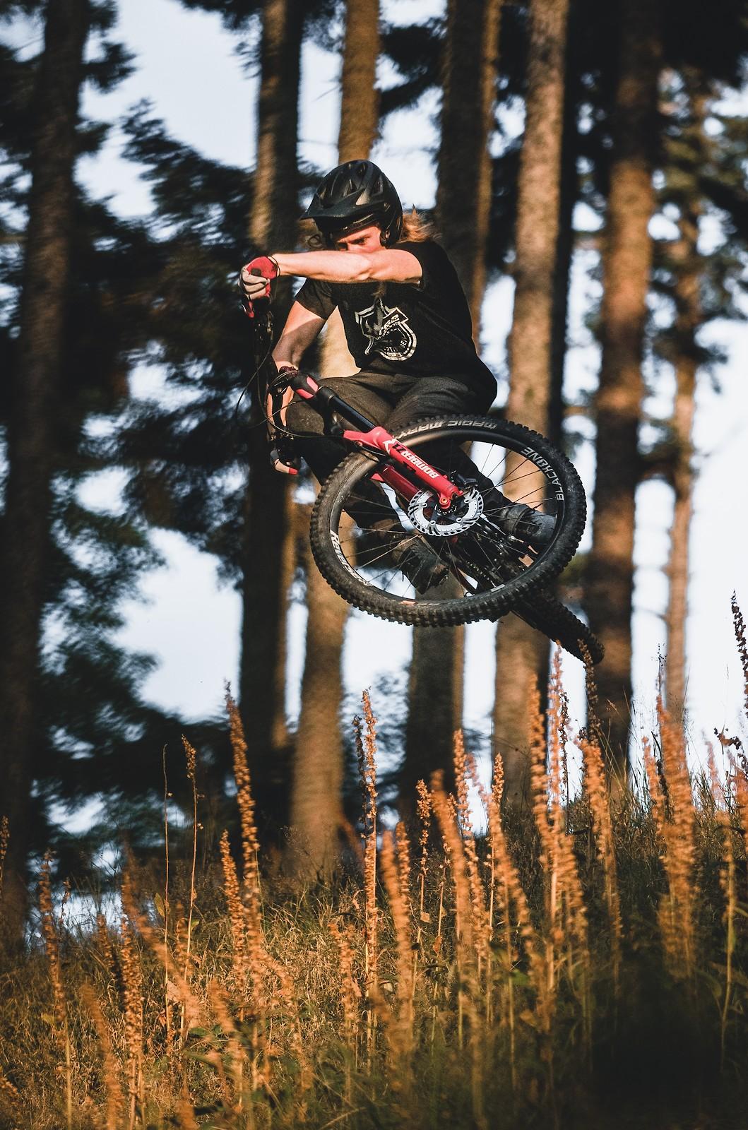 Scrubbing - Lucas_Bruder - Mountain Biking Pictures - Vital MTB
