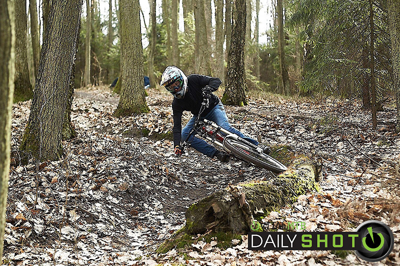 turning is fun - AnnMore - Mountain Biking Pictures - Vital MTB