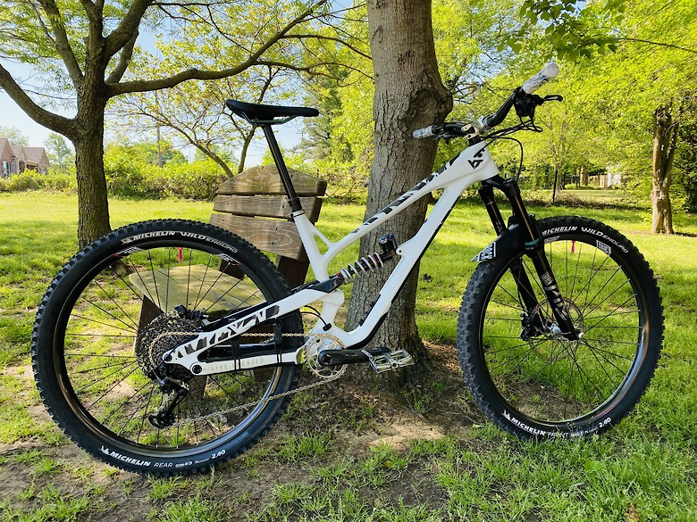 Custom White YT Jeffsy Enduro